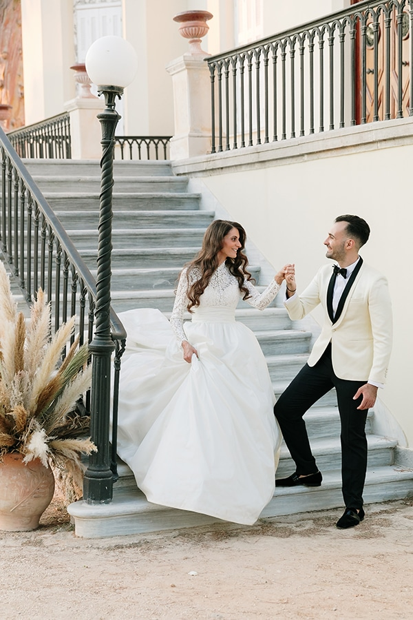 chic-bohemian-styled-shoot-unique-wedding-decoration-details-ivory-gold-hues_18