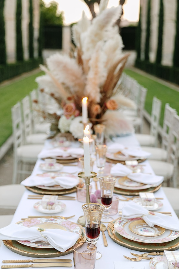 chic-bohemian-styled-shoot-unique-wedding-decoration-details-ivory-gold-hues_21