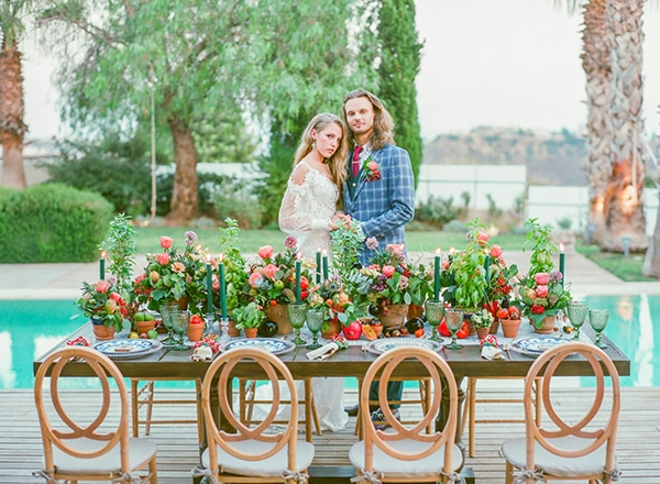 dreamy-tuscany-inspired-styled-shoot-stunning-emerald-green-red-hues_01