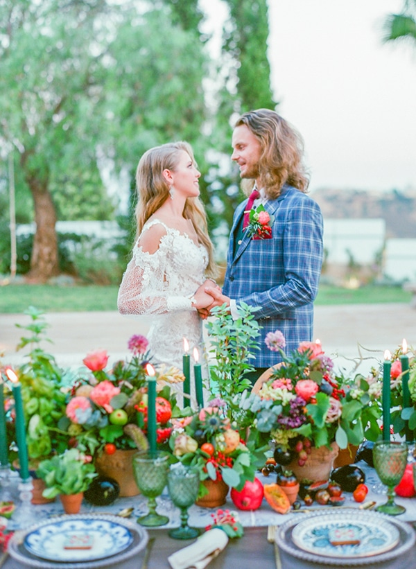 dreamy-tuscany-inspired-styled-shoot-stunning-emerald-green-red-hues_02