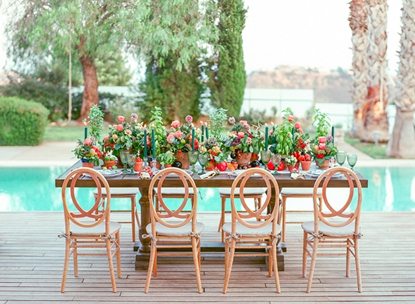 dreamy-tuscany-inspired-styled-shoot-stunning-emerald-green-red-hues_06x