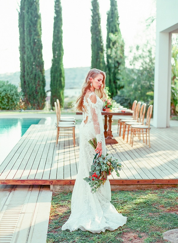 dreamy-tuscany-inspired-styled-shoot-stunning-emerald-green-red-hues_07