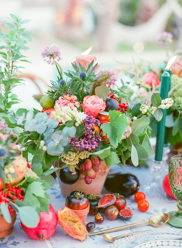 dreamy-tuscany-inspired-styled-shoot-stunning-emerald-green-red-hues_10x