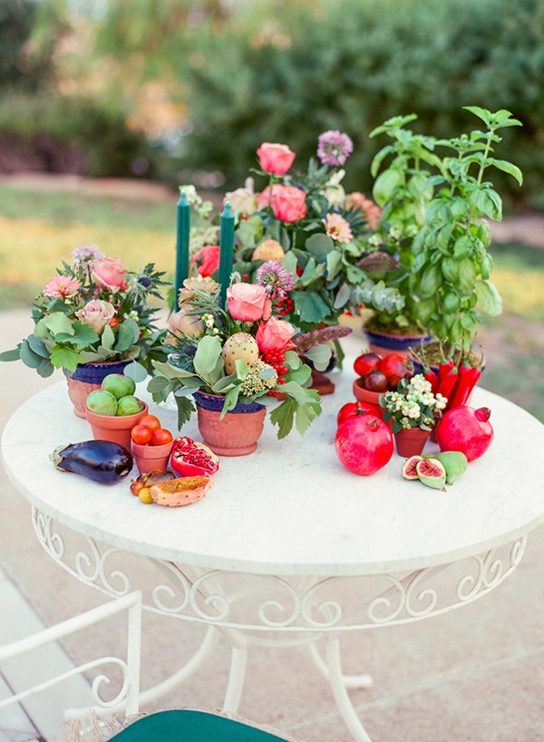dreamy-tuscany-inspired-styled-shoot-stunning-emerald-green-red-hues_13