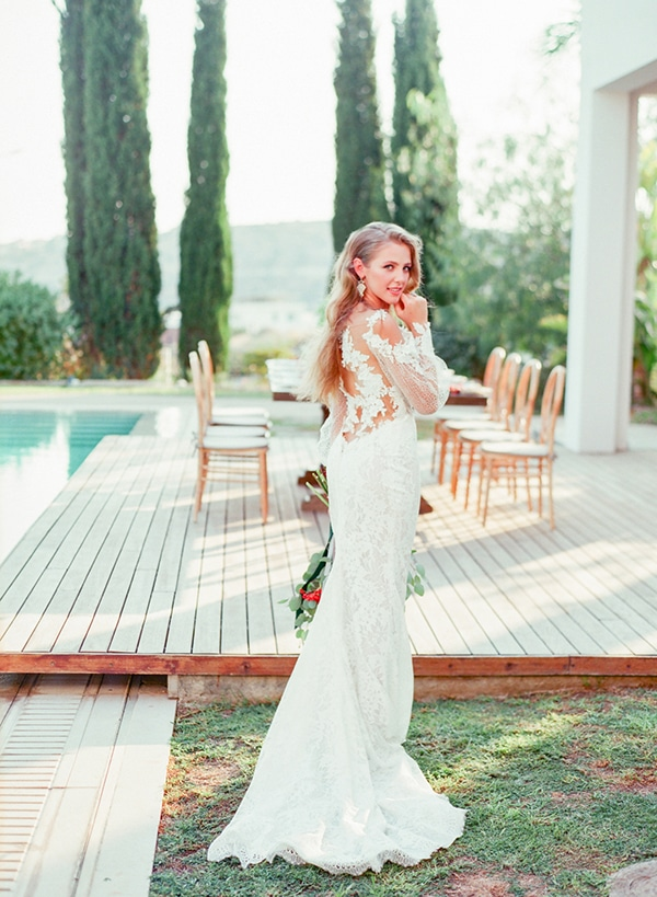 dreamy-tuscany-inspired-styled-shoot-stunning-emerald-green-red-hues_15x