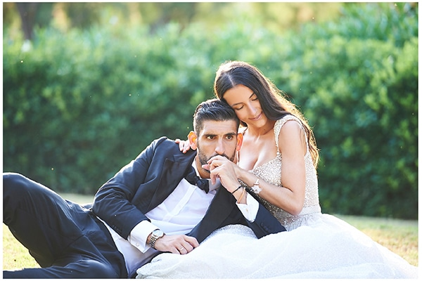 Elegant καλοκαιρινός γάμος στην Αθήνα σε λευκούς – χρυσούς χρωματισμούς │ Αθηνά & Γιάννης
