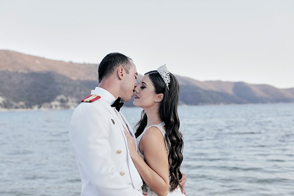 military-wedding-limassol-olive-white-roses_01