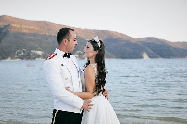 military-wedding-limassol-olive-white-roses_04