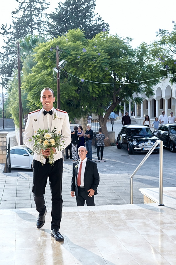 military-wedding-limassol-olive-white-roses_09