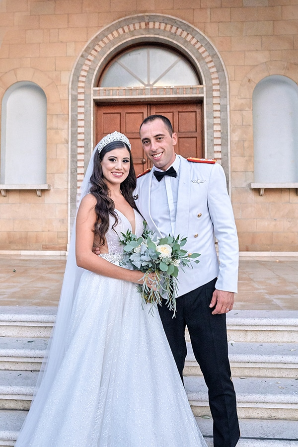 military-wedding-limassol-olive-white-roses_17