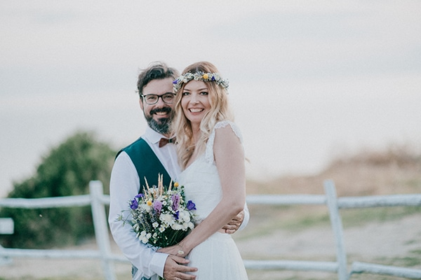 Υπαίθριος καλοκαιρινός γάμος στην Χαλκιδική με λεβάντες και μποέμ στοιχεία │ Άννα & Στέφανος