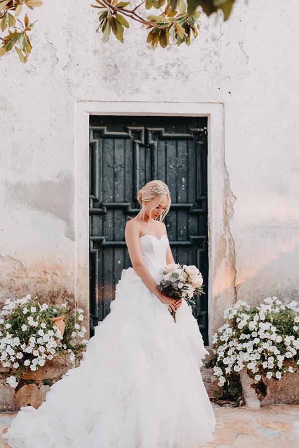 romantic-destination-wedding-corfu-pastel-colors_02x