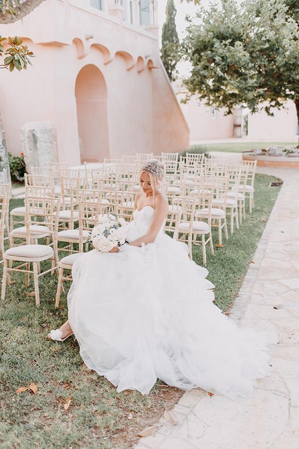 romantic-destination-wedding-corfu-pastel-colors_05x