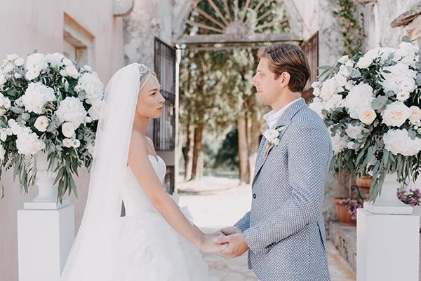 romantic-destination-wedding-corfu-pastel-colors_09x