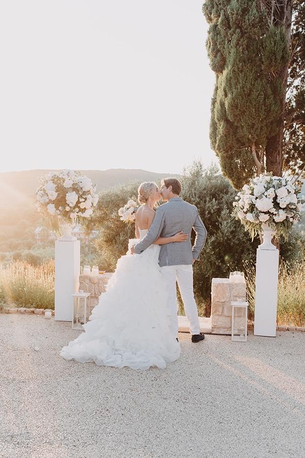 romantic-destination-wedding-corfu-pastel-colors_15