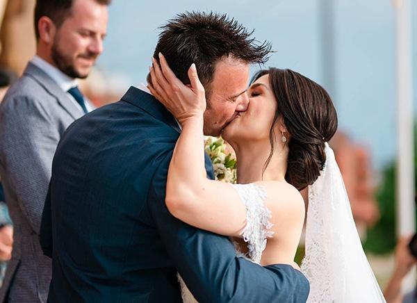 romantic-wedding-larisa-white-beige-colors_09