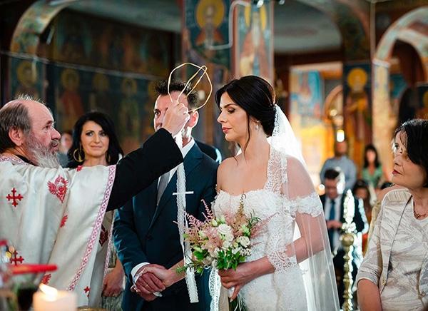 romantic-wedding-larisa-white-beige-colors_12