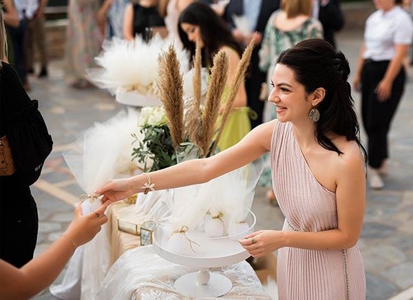 romantic-wedding-larisa-white-beige-colors_15
