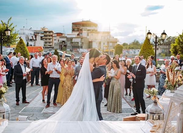 romantic-wedding-larisa-white-beige-colors_18