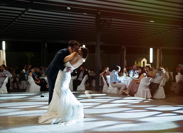 romantic-wedding-larisa-white-beige-colors_22