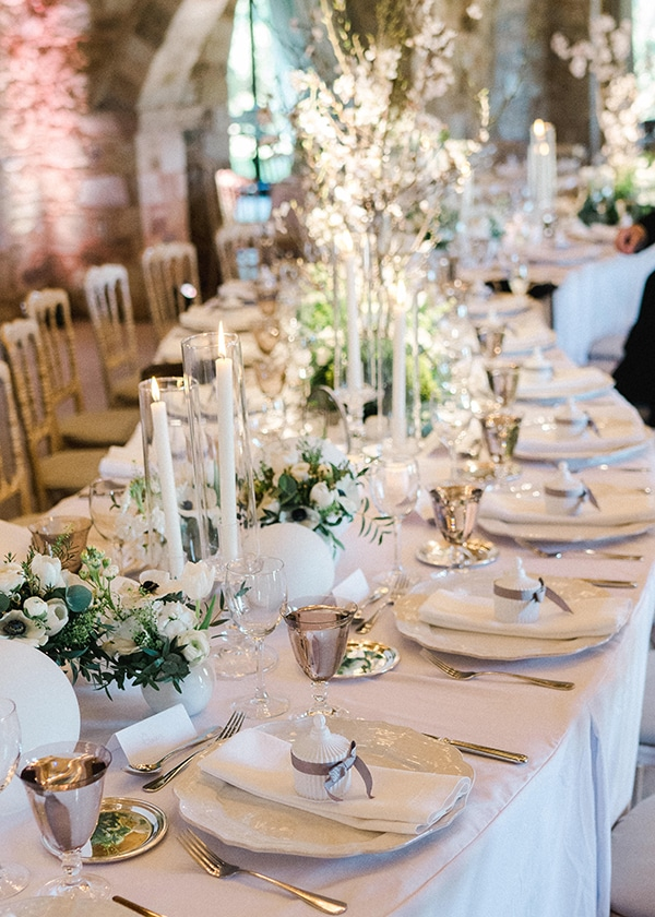 spring-wedding-decoration-ideas-almond-branches-anemones-fairytale-wedding_01x