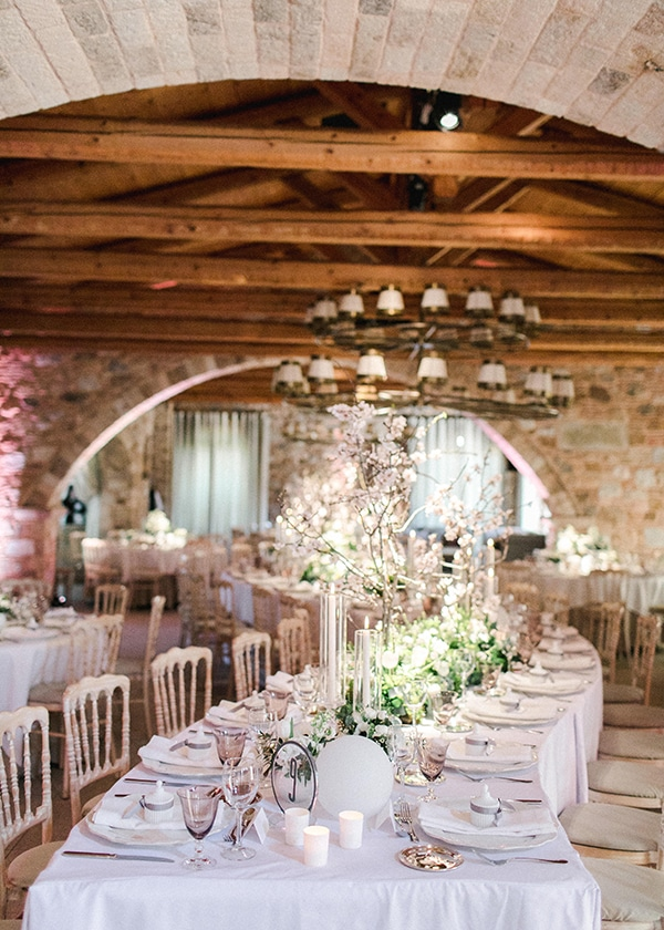 spring-wedding-decoration-ideas-almond-branches-anemones-fairytale-wedding_19