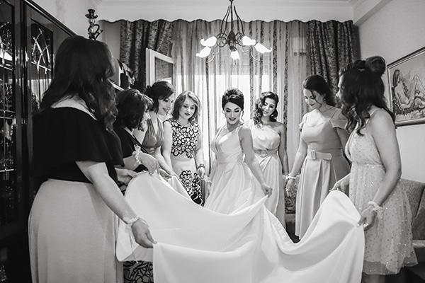 beautiful-fall-wedding-larisa-baby-breaths-romantic-details_06