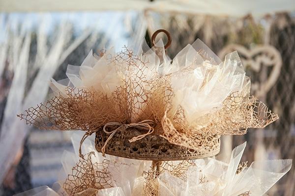 beautiful-fall-wedding-larisa-baby-breaths-romantic-details_08