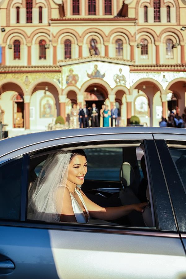 beautiful-fall-wedding-larisa-baby-breaths-romantic-details_10