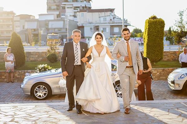 beautiful-fall-wedding-larisa-baby-breaths-romantic-details_11
