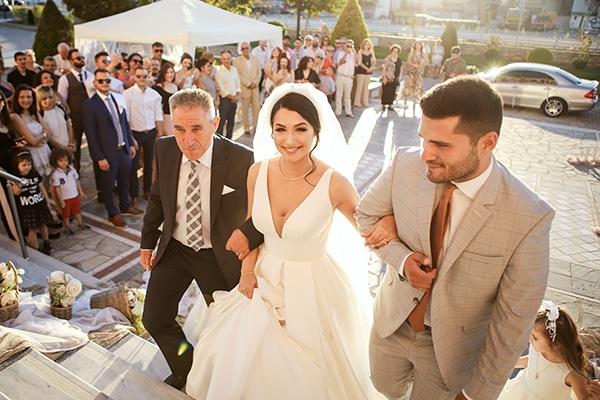 beautiful-fall-wedding-larisa-baby-breaths-romantic-details_12