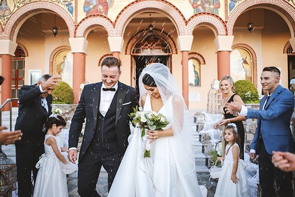 beautiful-fall-wedding-larisa-baby-breaths-romantic-details_14