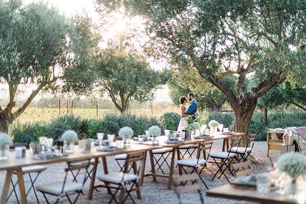 Πρωτότυπη ιδέα για γάμο σε ιδιαίτερο εξωτερικό χώρο με farm style