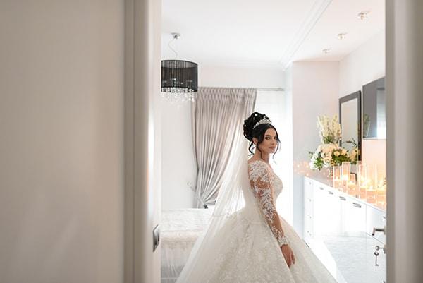 dreamy-wedding-santorini-island-orchids-roses_10