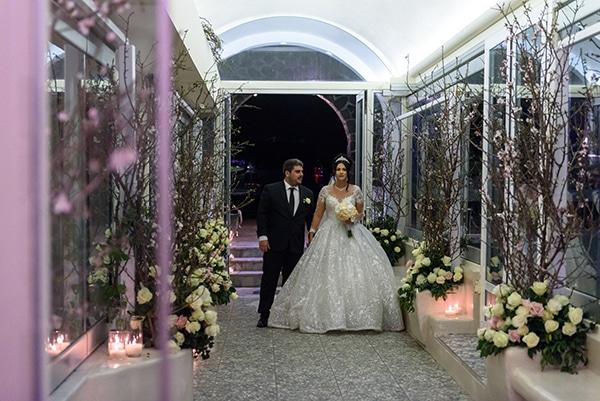 dreamy-wedding-santorini-island-orchids-roses_25