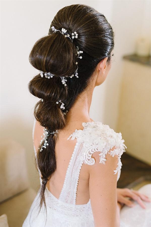 Ιδιαίτερο χτένισμα νύφης με κοτσίδα