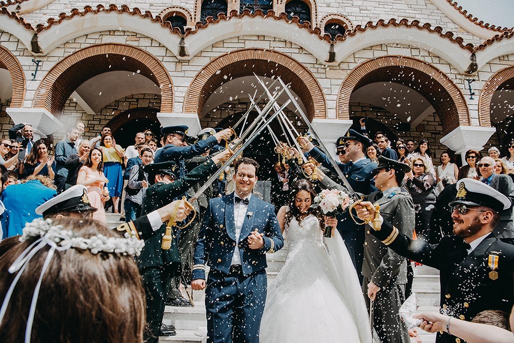 Ανοιξιάτικος στρατιωτικός γάμος στην Αθήνα με ρομαντική διάθεση  ǀ  Ιφιγένεια & Θάνος