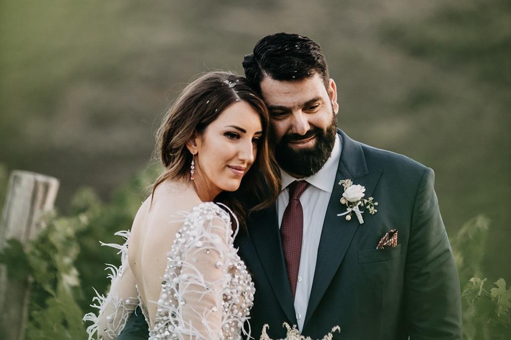 Υπαίθριος καλοκαιρινός γάμος στην Αθήνα με λευκά άνθη και ρομαντικές λεπτομέρειες │ Πένυ & Πατίστας