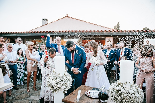 outdoor-summer-wedding-athens-white-flowers-romantic-details_21