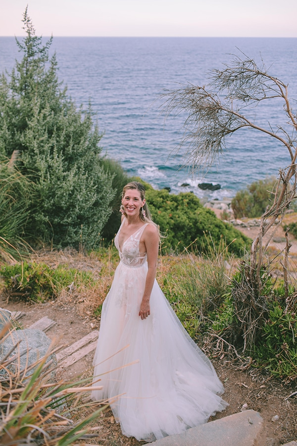 romantic-destination-wedding-evoia-bougainvillea-stunning-view_03x
