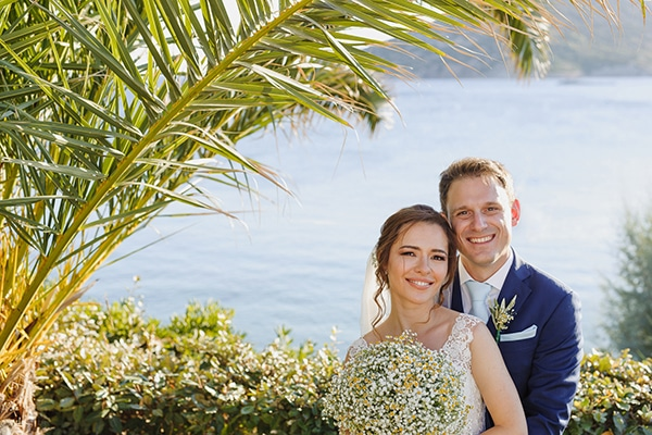 Ρομαντικός καλοκαιρινός γάμος στην Αθήνα με γυψοφύλλη και χαμομήλι │ Κορίνα & Δημήτρης