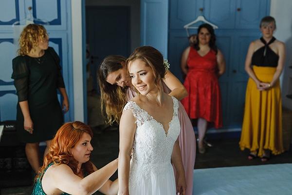 romantic-summer-wedding-athens-baby-breath-chamomile_05