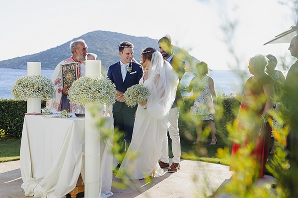 romantic-summer-wedding-athens-baby-breath-chamomile_16