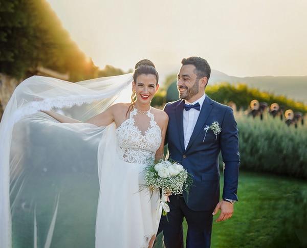 romantic-summer-wedding-athens-peonies-baby-breath_02
