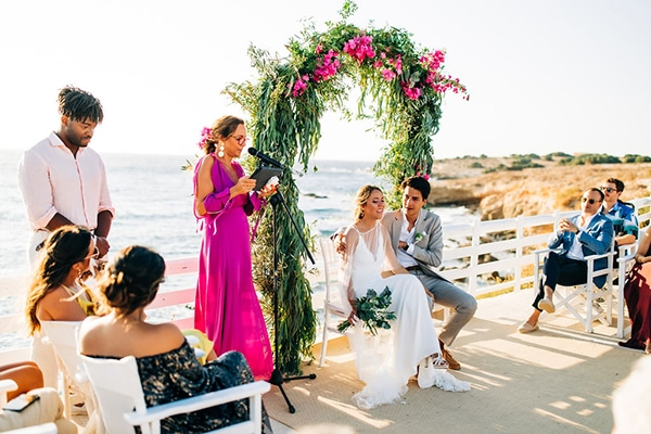 summer-destination-wedding-fuchsia-bougainvillea_25