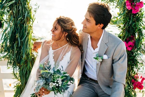 summer-destination-wedding-fuchsia-bougainvillea_26