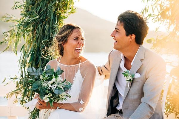summer-destination-wedding-fuchsia-bougainvillea_27