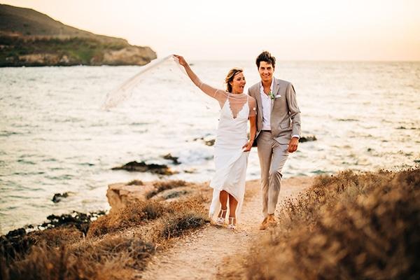 summer-destination-wedding-fuchsia-bougainvillea_31
