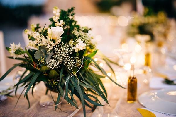 summer-destination-wedding-fuchsia-bougainvillea_35