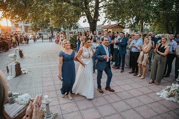 summer-wedding-larissa-baby-breath-details_14
